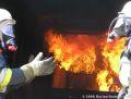 Flammenhölle im Brandcontainer