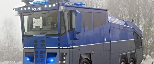 wasserwerfer-polizei-teaser
