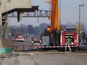 Zwei Feuerwehrfahrzeuge wurden bei dem Unglück auch beschädigt (Bildquelle: Stadt Worms)