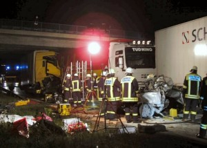 My first incident on the A8 Highway: a truck drives into the tail end of a traffic jam (Picture: KFV Dachau)