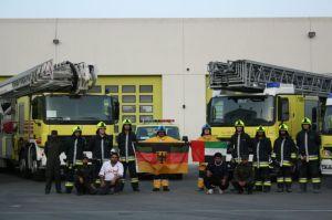 Internationale Feuerwehrteams sorgen für einen regen Erfahrungsaustausch. Die A-Schicht der Feuerwache in Fujairah (Foto: Thomas Bachmann)
