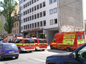 Wieviele Feuerwehreinheiten sollen zu den häufigen Fehlalarmen geschickt werden?
