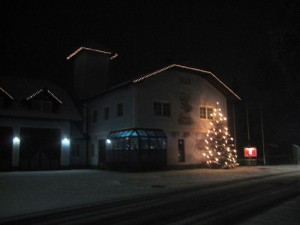 Ready for Santa Clause: the fire station in Puchheim (Picture: Puchheim Fire Department)