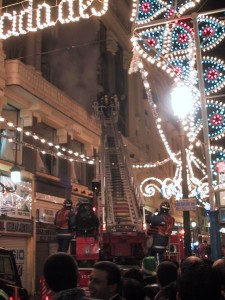 A room fire with 1 firefighting truck and 1 aerial platform: the norm in Madrid
