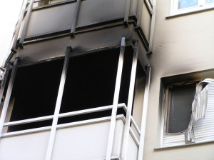 "The ""critical apartment fire"" based on AGBF criteria is the basis for many fire department requirement plans in Germany."