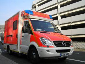 Die Feuerwehrausbildung entspricht der Standardausbildung für den mittleren Dienst, inklusive Rettungssanitäterlehrgang.