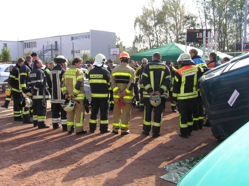 bungen in groen gruppen machen das einbinden aller teilnehmer schwierig - Feuerwehrubungen Beispiele