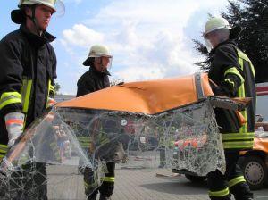 Dach ab, eine der Standardvarianten bei der Feuerwehr