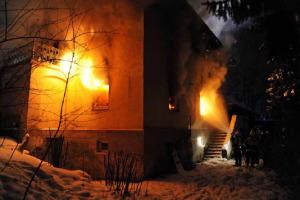 Viele Lagen sehen durch die Flammen dramatischer aus, als sie tatsächlich sind (Foto: Feuerwehr München)