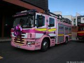 Das rosa Löschfahrzeug von der Feuerwache Kensington (Foto: Merseyside Fire & Rescue Service)