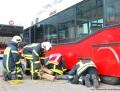 Übung: Personen unter Bus