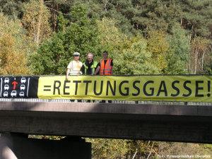 rettungsgasse-hinweis-autobahn
