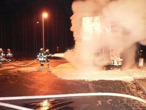 Vor allem bei LKW-Bränden wird häufig Schaum eingesetzt