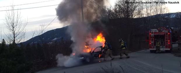 brennendes-auto-rollt-teaser