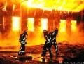 grossbrand-lagerhalle-feuerwehr-1