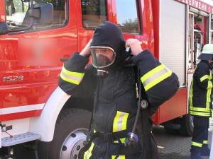 Feuerschutz- oder Flammschutzhauben sind heute bei allen Feuerwehren Standard