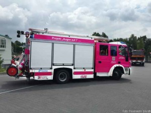 loeschfahrzueg-pink-erkrath-1